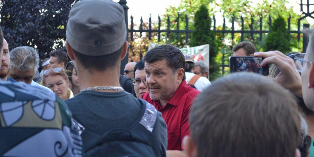 [Видео] Луганчане просят Порошенко действовать